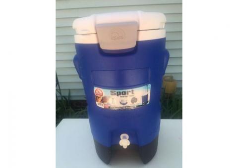 5 gallon drink cooler